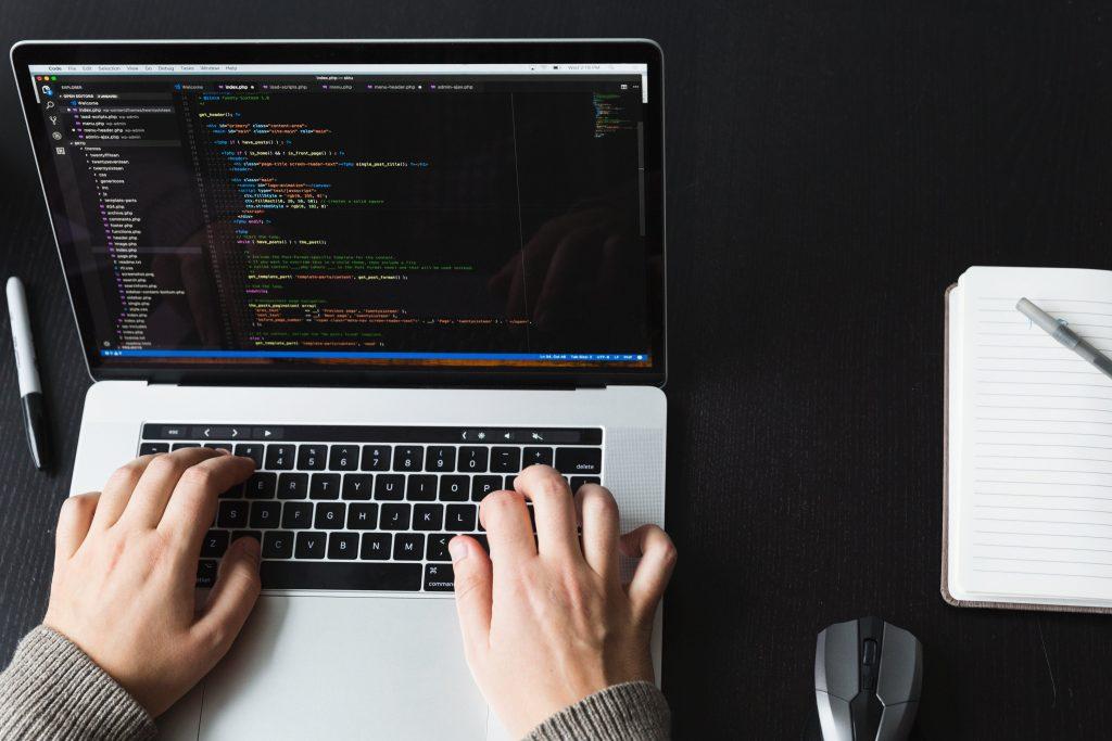 Programozási alapfogalmak gyakorlása gépen